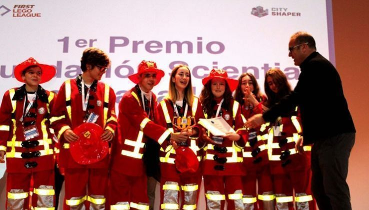 El equipo Big Band Bots gana el Torneo First Lego League en la UAL
